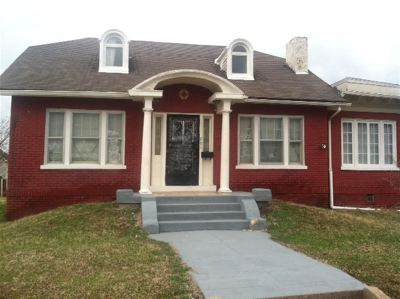 McCracken County Single Family Home For Sale: 701 S 6th