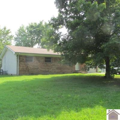 Calvert City Single Family Home Contract Recd - See Rmrks: 327 Windsor Dr.