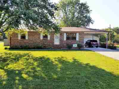 Ledbetter Single Family Home Contract Recd - See Rmrks: 220 Wyondotte Way