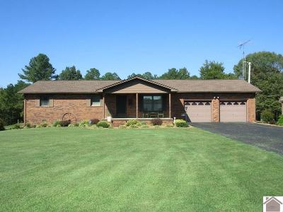 Calloway County Single Family Home Contract Recd - See Rmrks: 207 Woodsong Lane