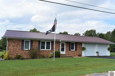 Lacenter KY Single Family Home Contract Recd - See Rmrks: $89,900