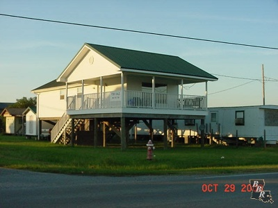 Grand Isle LA Single Family Home For Sale: $159,000
