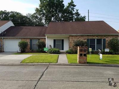 Houma Single Family Home For Sale: 512 S French Quarter Drive