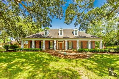 Houma Single Family Home For Sale: 185 Country Club Drive