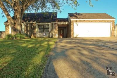 Houma Single Family Home For Sale: 106 Mechant