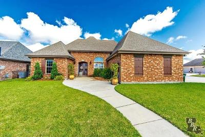 Houma Single Family Home For Sale: 207 Port Royal Way