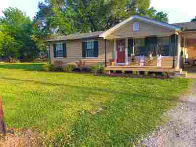 Cut Off Single Family Home For Sale: 164 E 69th Street