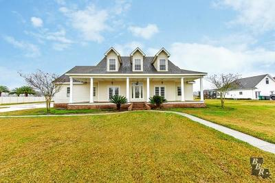 Houma Single Family Home For Sale: 114 Bayou Bend Drive