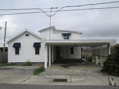 Cut Off Single Family Home For Sale: 161 E 51st Street