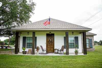 Terrebonne Parish, Lafourche Parish Single Family Home For Sale: 986 Bayou Road