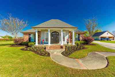 Thibodaux Single Family Home Under Contract: 2422 Southdown Drive