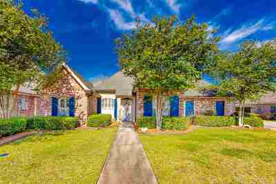 Houma Single Family Home For Sale: 155 Autumn Drive