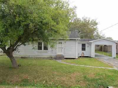 Larose Single Family Home For Sale: 243 West 23rd Street