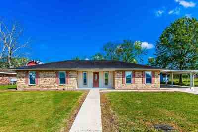 Larose Single Family Home Under Contract: 158 Le Village Drive