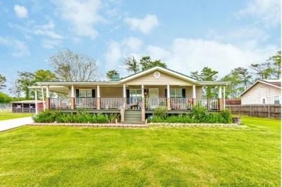 Houma Single Family Home For Sale: 402 Grace Street