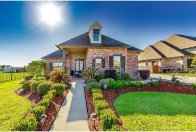 Houma Single Family Home For Sale: 385 Sugar Highland Boulevard