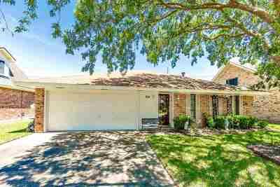 Houma Single Family Home For Sale: 202 Denning Drive