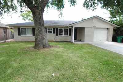 Morgan City Single Family Home For Sale: 2304 Maple Street