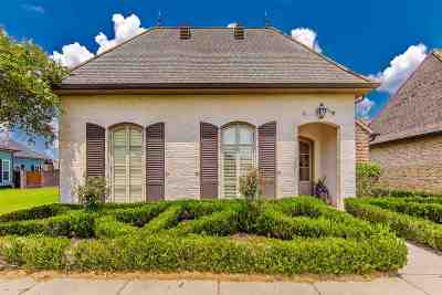 Houma Single Family Home For Sale: 127 Rue St Rachel