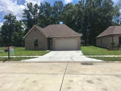 Houma Single Family Home For Sale: 135 Juliana Way