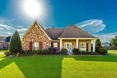 Houma Single Family Home For Sale: 249 Sugar Highland Boulevard