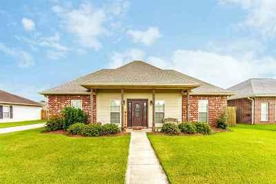 Houma Single Family Home For Sale: 457 Sugar Land Street