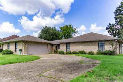 Houma Single Family Home For Sale: 108 Chantilly Drive
