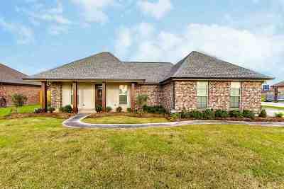 Thibodaux Single Family Home For Sale: 141 Comanchee Court
