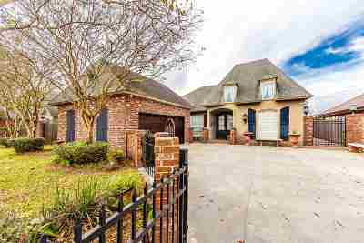 Houma Single Family Home For Sale: 174 Sugarwood Boulevard