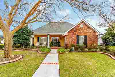 Houma Single Family Home For Sale: 170 Meandering Way