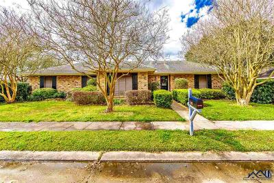 Houma Single Family Home For Sale: 302 Pineland Drive