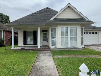 Houma Single Family Home For Sale: 505 Sugar Mill Courtyard