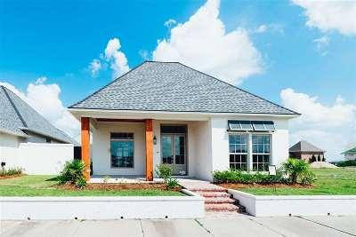Thibodaux Single Family Home For Sale: 105 Rue Betancourt
