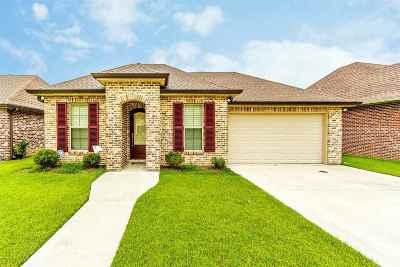 Houma Single Family Home For Sale: 144 Juliana Way