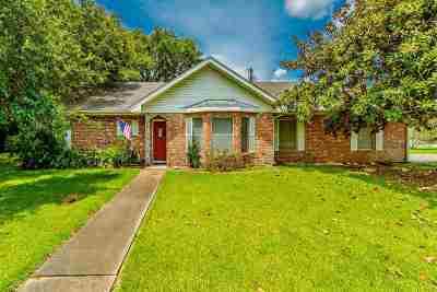Houma Single Family Home For Sale: 4 Dallas Drive