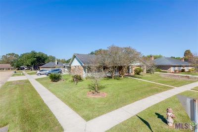 Baton Rouge Single Family Home Contingent: 703 N Coventry Dr