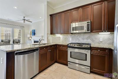 Baton Rouge Condo/Townhouse For Sale: 998 Stanford Ave #319
