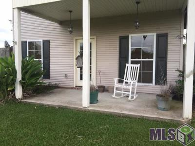 Gonzales Condo/Townhouse For Sale: 15155 La Hwy 44 #8-A