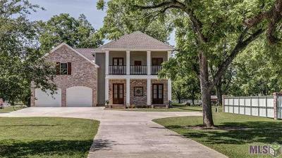 Zachary Single Family Home For Sale: 1061 E Plains Port Hudson Rd