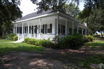 Port Allen Single Family Home For Sale: 8411 N River Rd