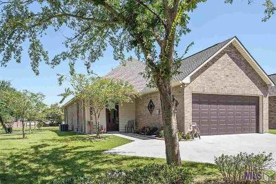 Gonzales Single Family Home Contingent: 43300 Putters Ln
