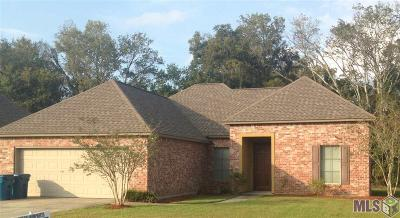 Port Allen Single Family Home For Sale: 2122 Woodland Ct
