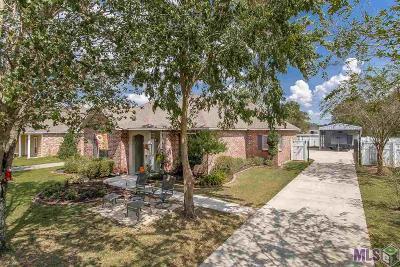 Prairieville Single Family Home For Sale: 16338 Stafford Oak Dr