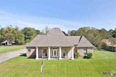 Prairieville Single Family Home For Sale: 14572 Bluff Rd