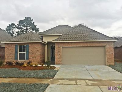 Zachary Single Family Home For Sale: 1057 Cedar Trail Ave