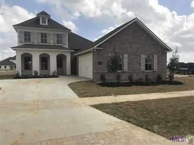 Zachary Single Family Home Contingent: 3752 Cruden Bay Dr