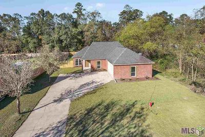 Denham Springs Single Family Home For Sale: 8085 Wolf Creek Place