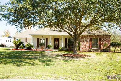 Gonzales Single Family Home For Sale: 14458 Lazy Oaks Dr