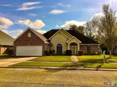 Berwick Single Family Home For Sale: 403 Riverside Dr