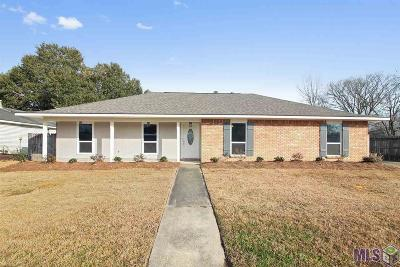 Baton Rouge Single Family Home For Sale: 16021 Woodwick Ave